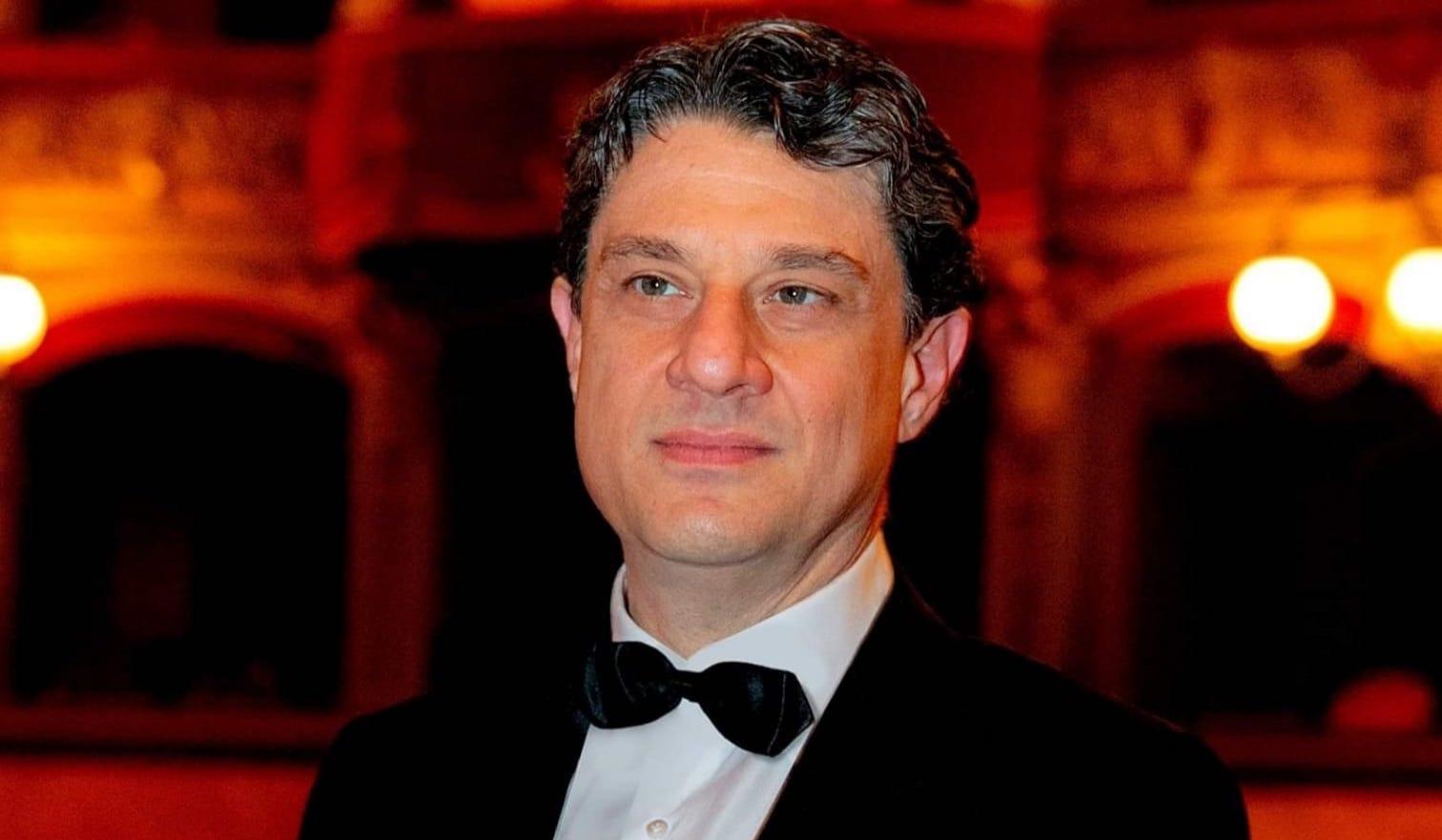 """Chi è il direttore artistico e che fa? Giovanni Cultrera ce lo spiega a """"Dietro le quinte"""""""